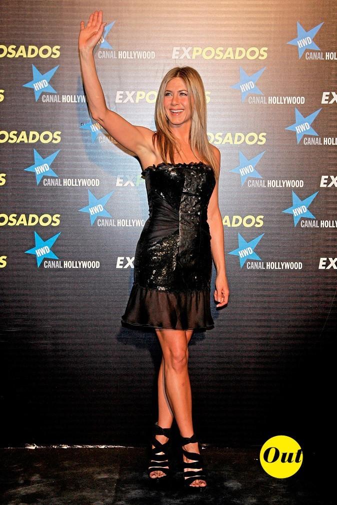 La robe bustier en cuir et paillettes de Jennifer Aniston en Mars 2010 !