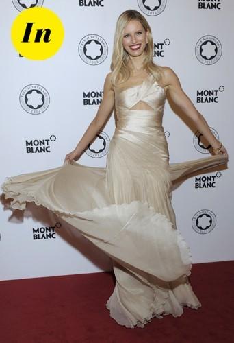 Une très belle robe Carlos Miele pour le prix Mont Blanc