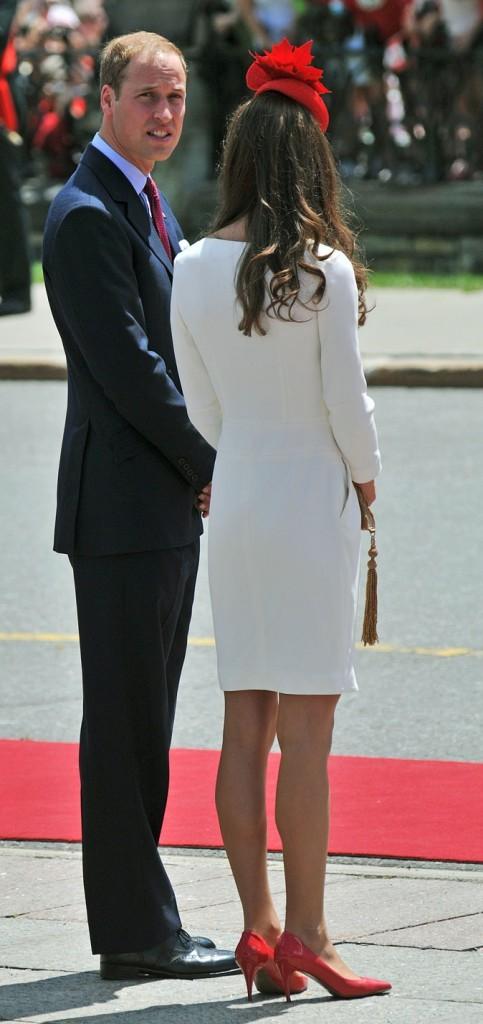 Kate Middleton le 1er juillet 2011 au Canada : des chaussures à talons LK Benett assorties au chapeau