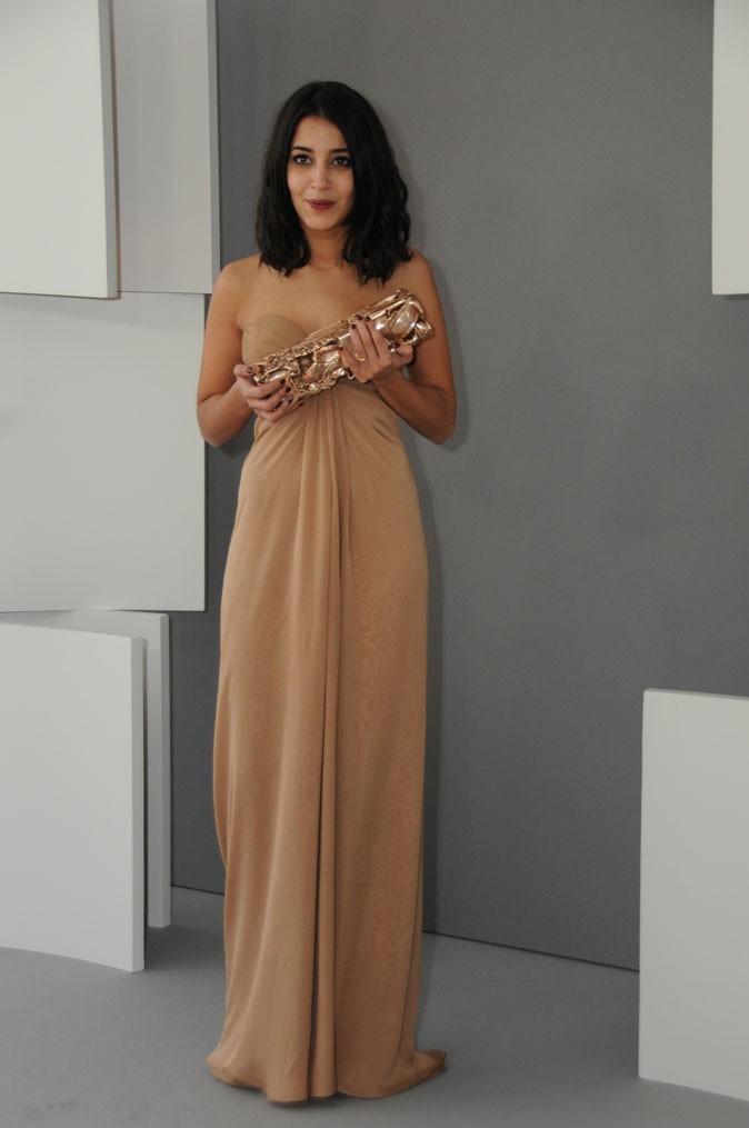 La robe longue nude bustier Yves Saint Laurent de Leïla Bekhti en Février 2011 !