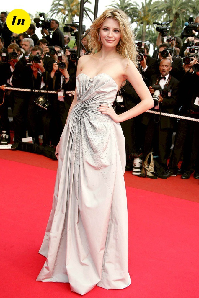 2007 : Mischa Barton monte les marches lors du 60ème Festival de Cannes !