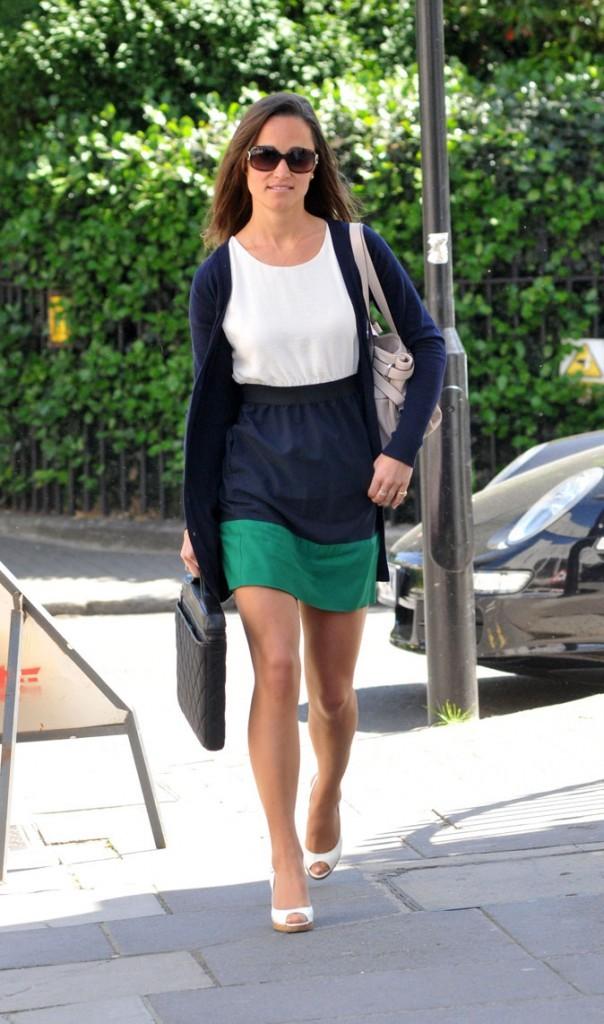 Le look color block de Pippa Middleton en mai 2011
