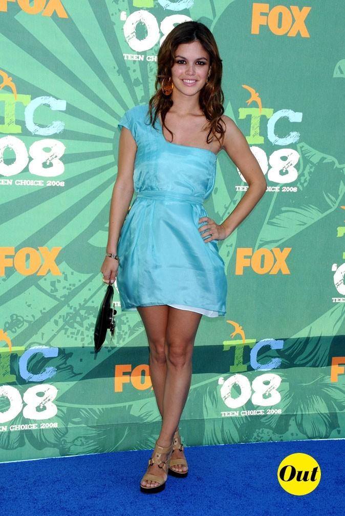 La robe asymétrique turquoise de Rachel Bilson en Août 2008 !