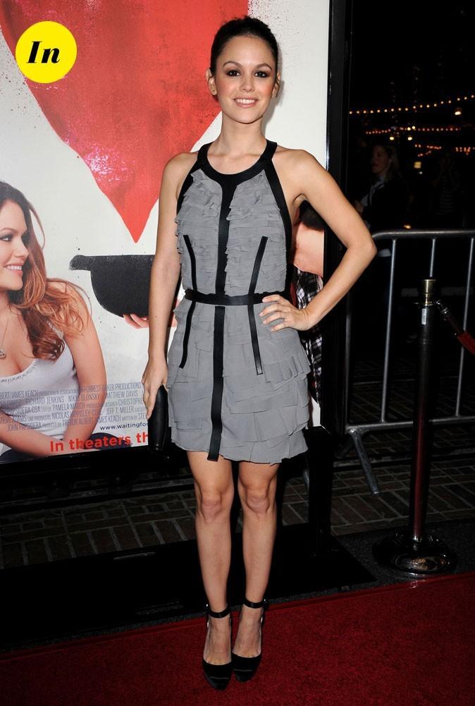 La robe grise à volants Burberry Prorsum de Rachel Bilson en Février 2011 !