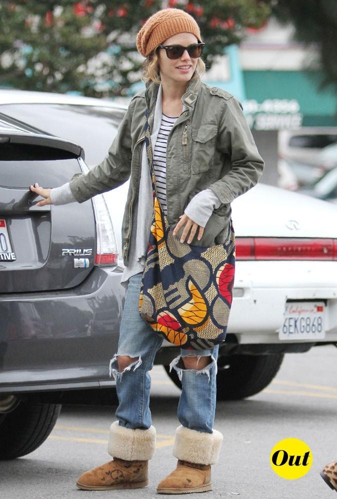 """Le look """"tendance clodo"""" de Rachel Bilson en Octobre 2010 !"""