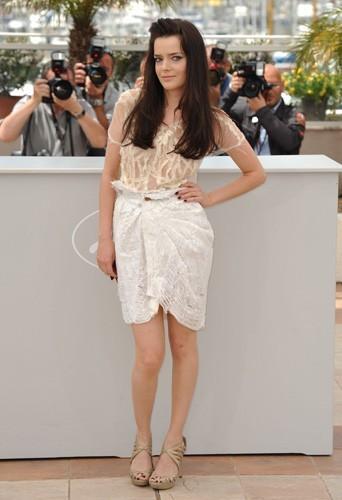 Belle toute nude à Cannes