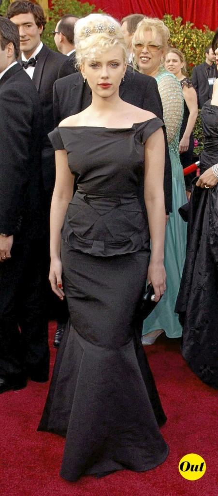 Scarlett Johansson en 2005 : une robe noire longue