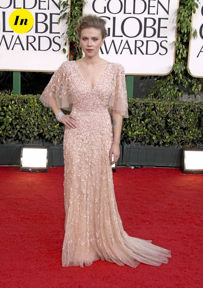 Scarlett Johansson en 2011 : une robe longue nude à manches longues