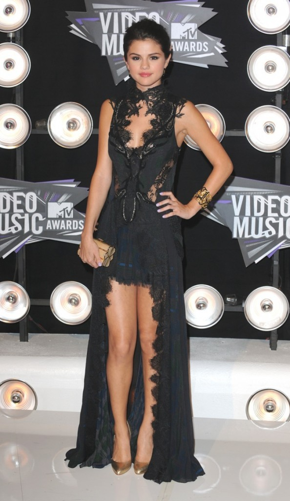 Août 2011: Une robe ensorcelante