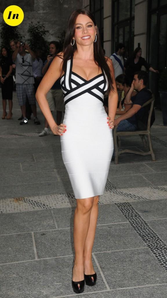 2010 : Elle adore les robes moulantes !