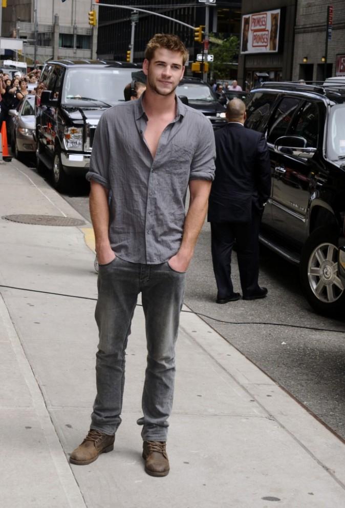 Liam Hemsworth : petit décolleté qui fait son effet !