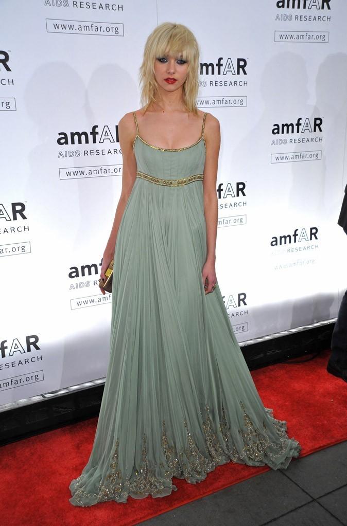 La robe longue brodée de perles de Taylor Momsen en Février 2009 !