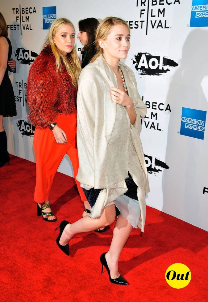 Les looks monochromes des jumelles Olsen en Avril 2011 !