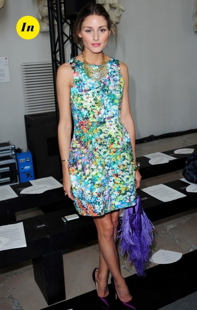 Olivia Palermo et son sac à plumes violet