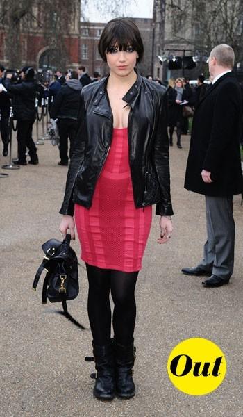 Daisy Lowe à la sortie du défilé Burberry Prorsum