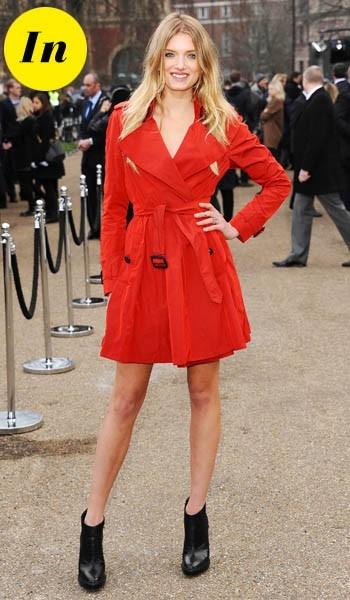 Lily Donaldson à la sortie du défilé Burberry Prorsum