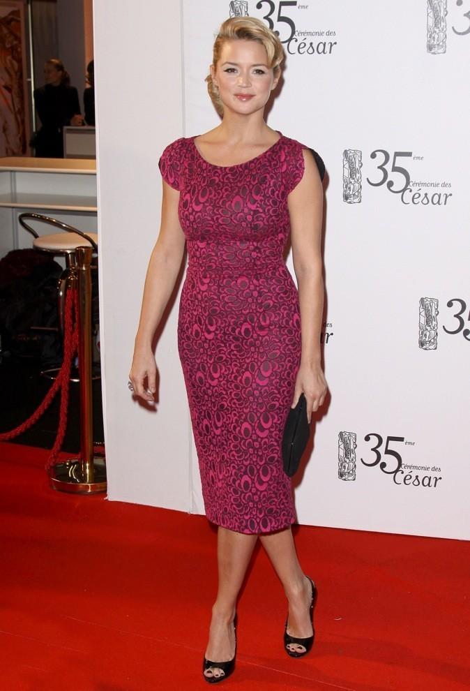 En 2010, elle porte la robe rose moulante !