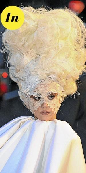 Photos : le beauty look tendance de Lady Gaga