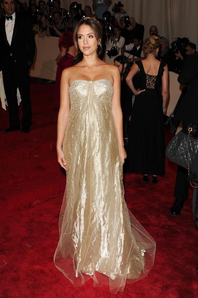 """Jessica Alba au Costume Institute Gala """"Alexander McQueen"""", 2011 à New York"""