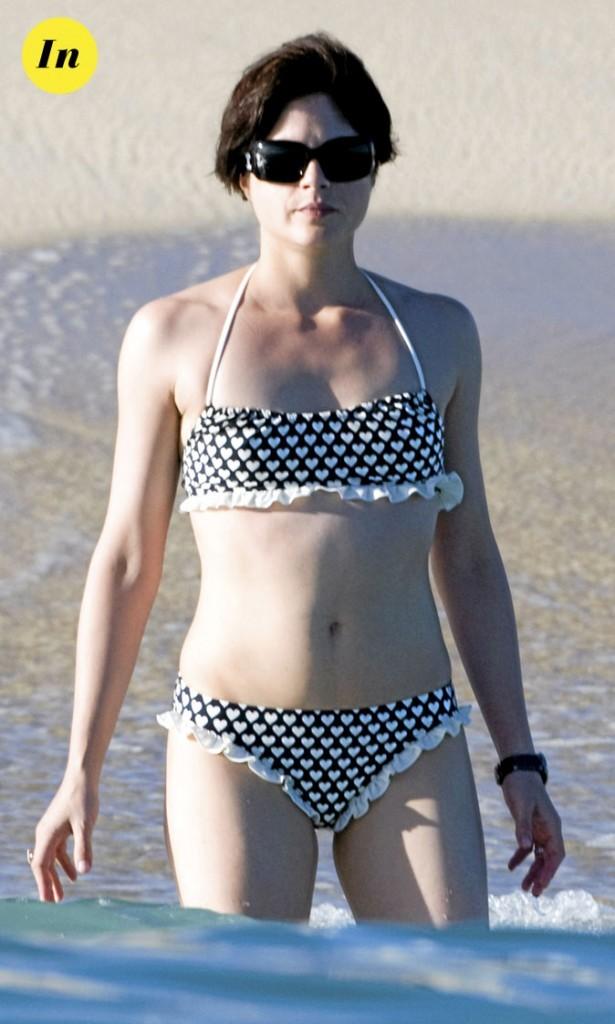 Photo : le maillot de bain rétro de Selma Blair à la plage !