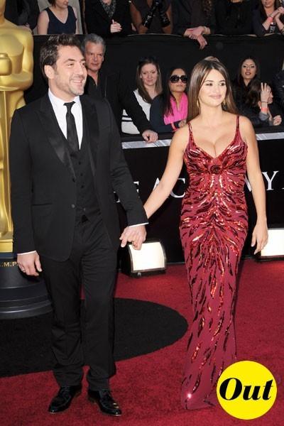 Look de stars aux Oscars 2011 : Penélope Cruz en couple avec Javier Bardem