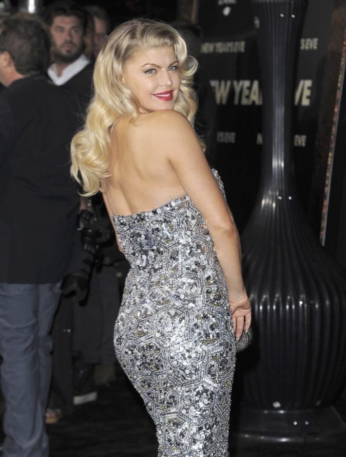 Fergie : la robe bustier, c'est son dada !