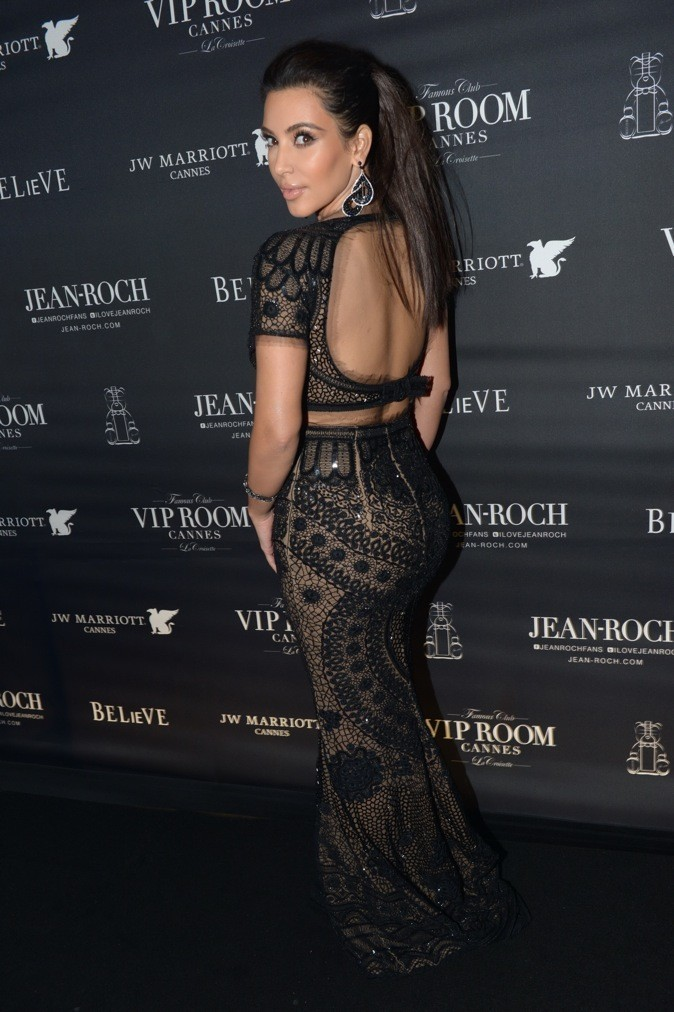 Kim Kardashian : envoûtante... !