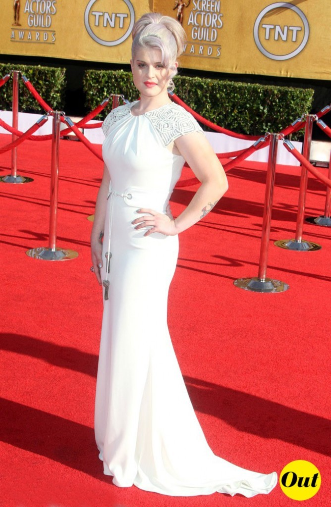 Kelly Osbourne dans sa robe Badgley Mischka...bof bof