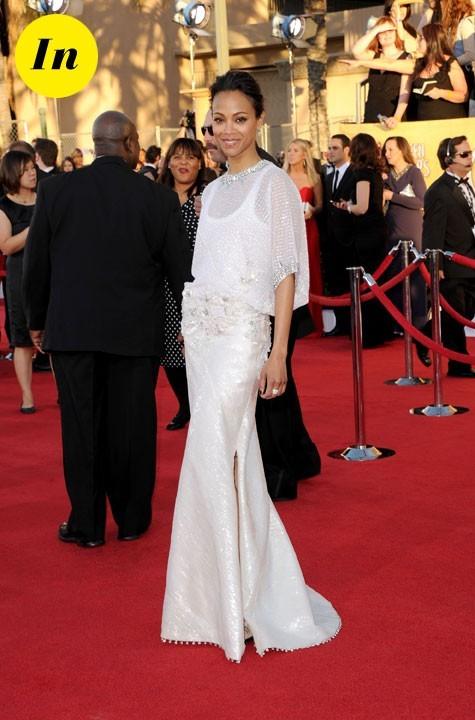 Zoe Saldana dans une robe de soie blanche signée Givenchy