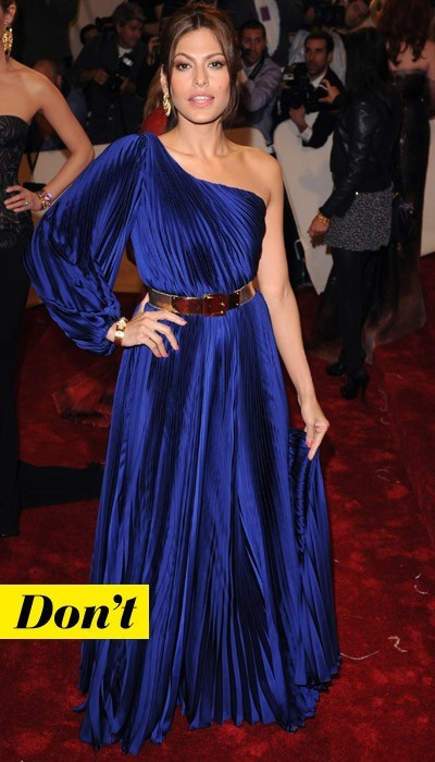Eva Mendes en Alexander McQueen