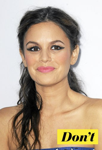 Don't l'eye-liner rock comme Rachel Bilson !