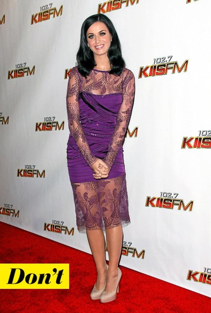 Look de star : la robe en dentelle de Katy Perry