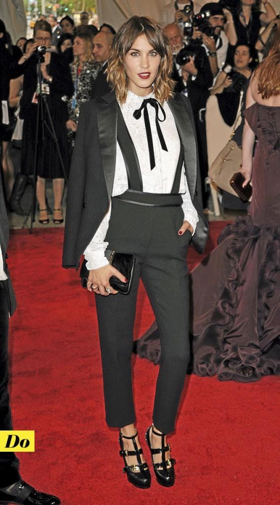 Look de star :  le lacet noeud d'Alexa Chung