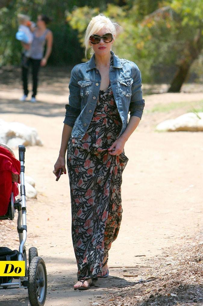 Look de star : la robe longue imprimé fleuri de Gwen Stefani