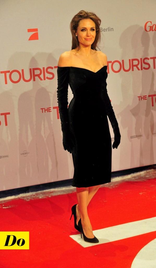 La petite robe noire d'Angelina Jolie !
