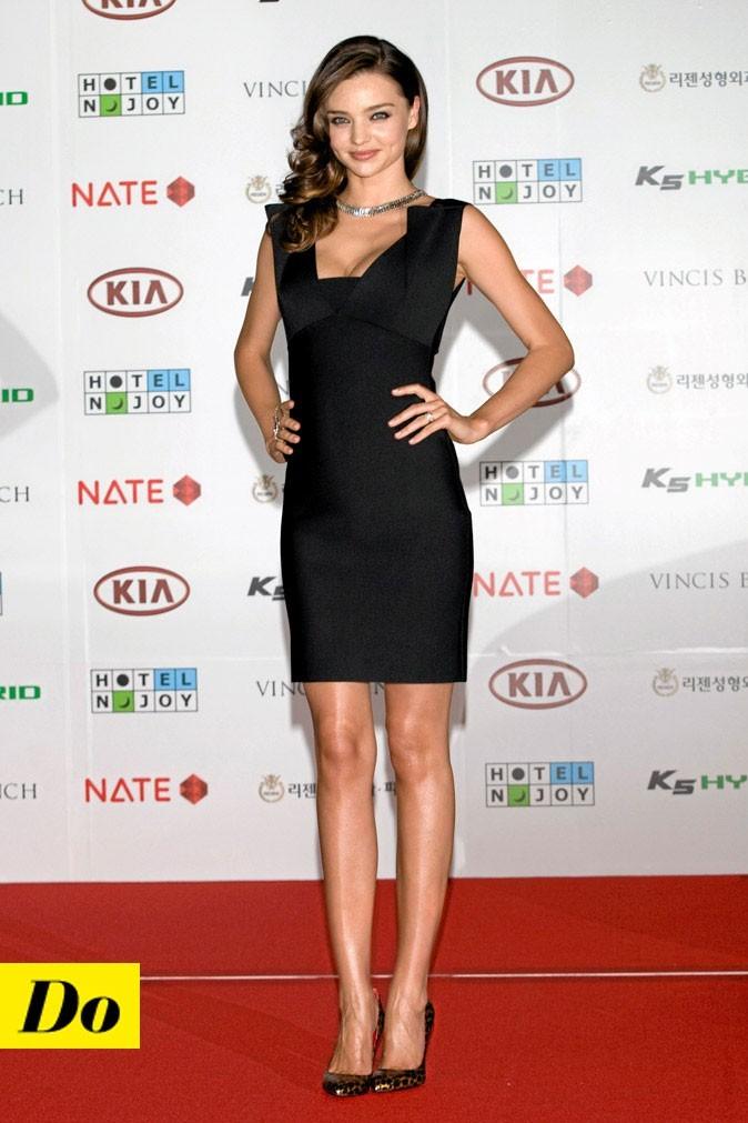 La petite robe noire de Miranda Kerr !
