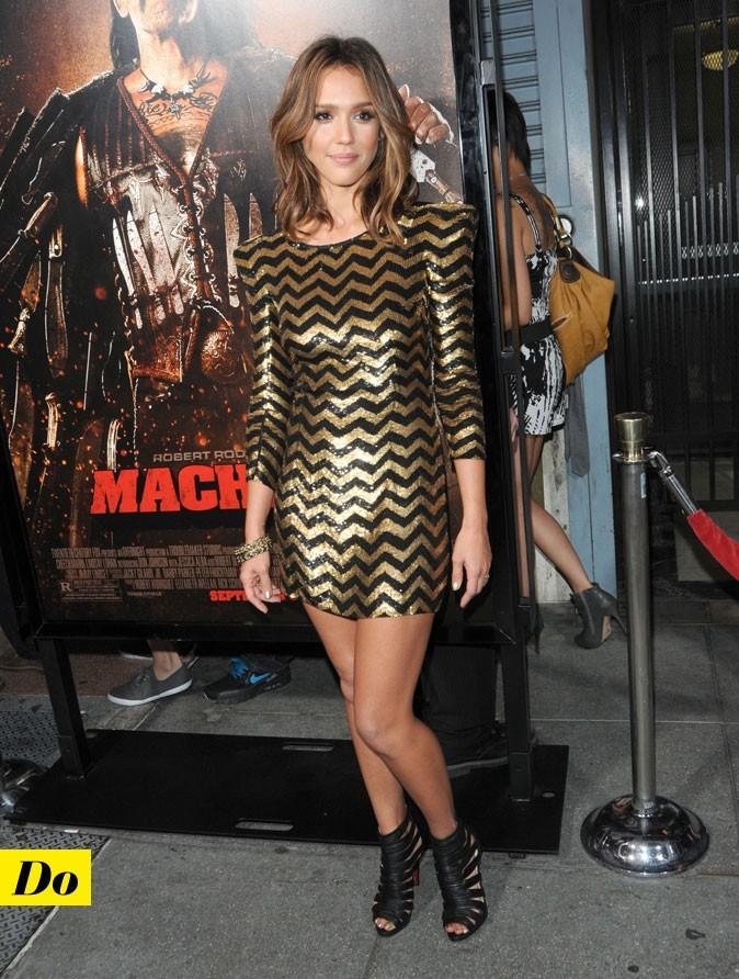 Jessica Alba et sa mini robe graphique Balmain