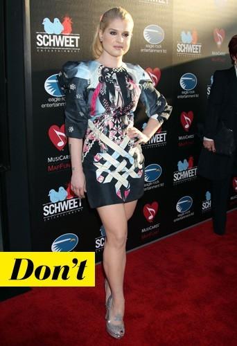 Kelly Osbourne et ses shoes à strass