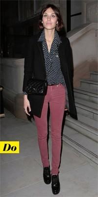 Alexa Chung en jean rouge