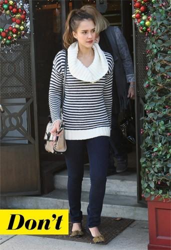 Jessica Alba et son pull marinière
