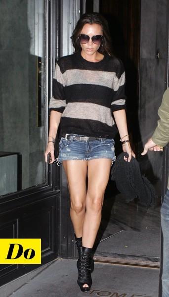 Victoria Beckham et son pull à rayures