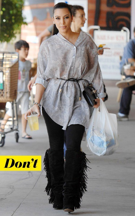 Trop loose la chemise python de Kim Kardashian
