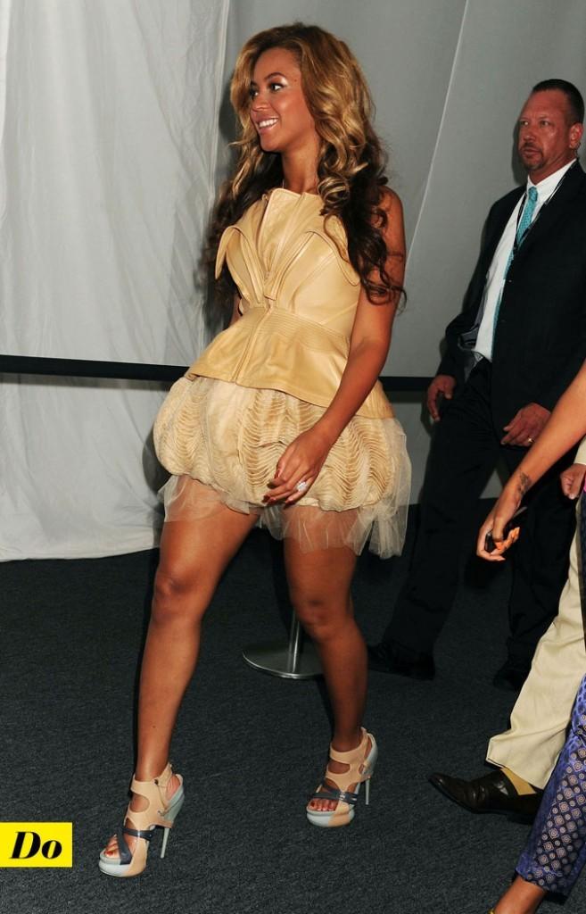 Mercedes-Benz Fashion Week 2011 : Beyoncé lors du défilé Badgley Mischka !