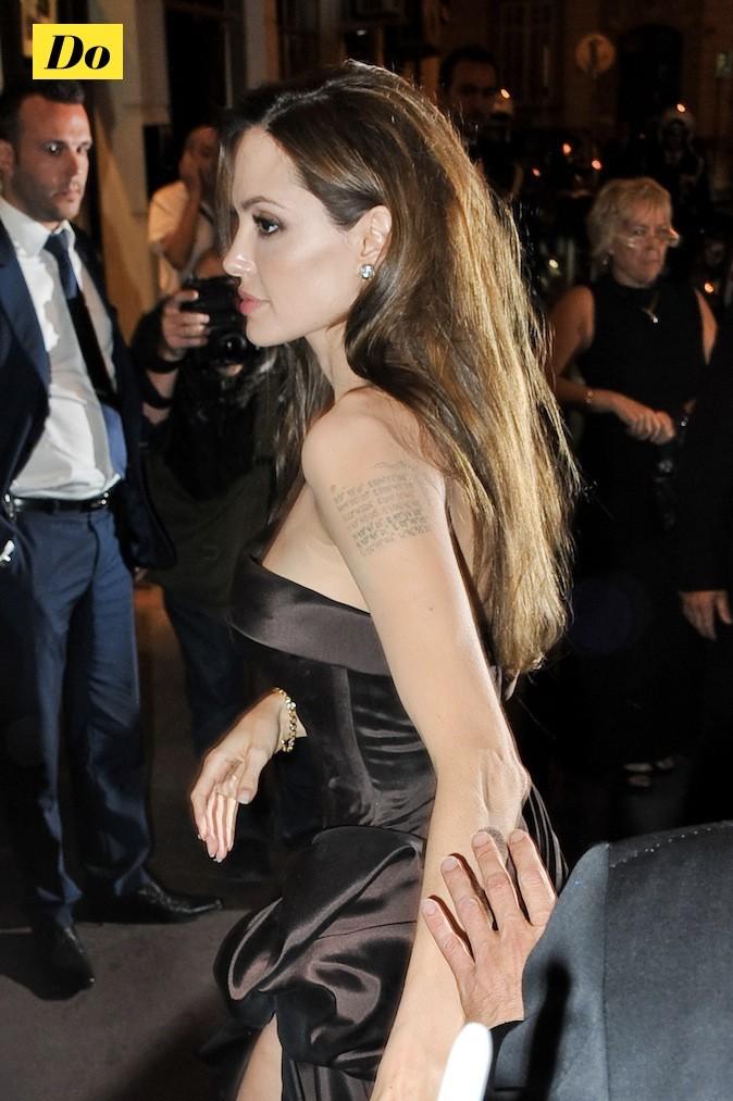 Angelina Jolie : miss tatoo !