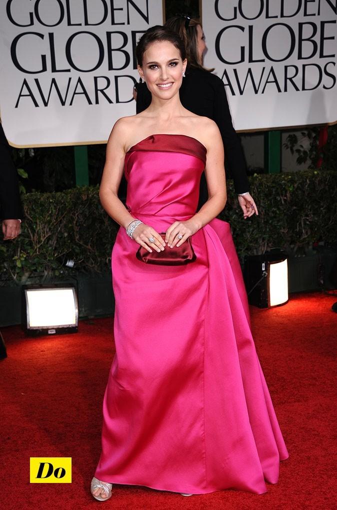 Natalie Portman est en mode romantique dans cette robe drapée!