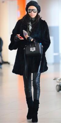 Adriana Lima : casual chic, elle se la joue incognito !