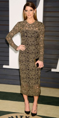 Ashley Greene VS Kim Kardashian : qui porte le mieux la robe Rachel Roy ?
