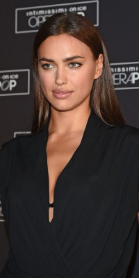 Beauty look : Irina Shayk : un make-up de femme fatale hyper simple à réaliser !