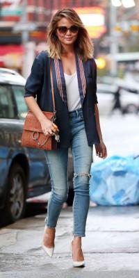 Chrissy Teigen, parfaite en look casual chic !