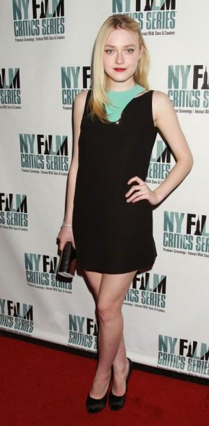 Dakota Fanning : glamour et originalité pour le New-York Film Critics Series